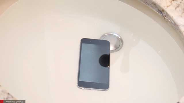 how to clean an iphone 04