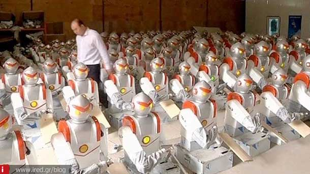 foxconn replaces workers with robots 01