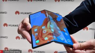 Όπως η Apple και η Honor: Δεν βιάζεται να παρουσιάσει foldable smartphone